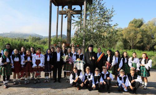 Hram la Rozavlea, la biserica târnosită de Patriarhul Justinian Marina