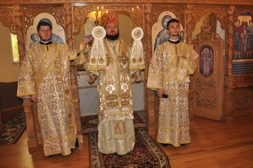 Târnosirea bisericii din localitatea Vârteșca