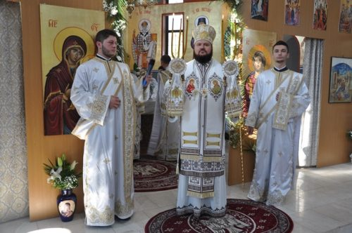 """Hramul bisericii """"Nașterea Maicii Domnului""""din Zalău, sărbătorit în prezența a doi ierarhi"""