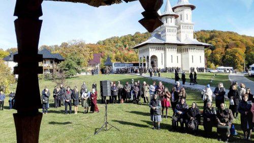 Credincioşii din Ilva Mică, prezenți la hramul Mănăstirii Dealu Mare