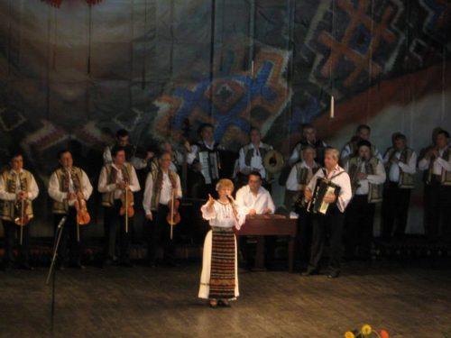 Rozalia Iuga, alături de orchestra RAPSODIA SOMEȘANĂ
