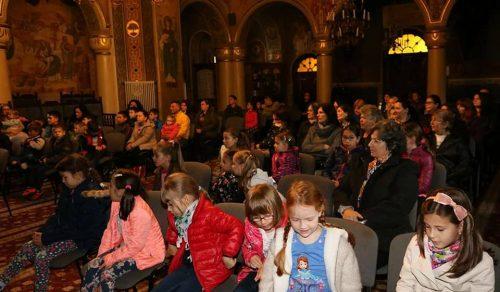 """Proiectul educativ-religios """"Altfel"""", la biserica """"Sfinții Trei Ierarhi"""" din Bistrița"""