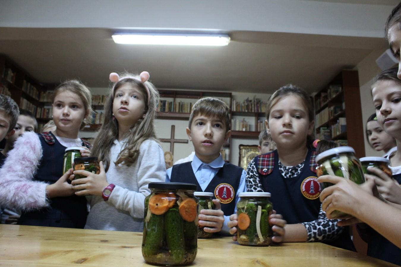 """Atelier gastronomic pentru copii, în parohia """"Nașterea Domnului"""", din Cluj-Napoca"""