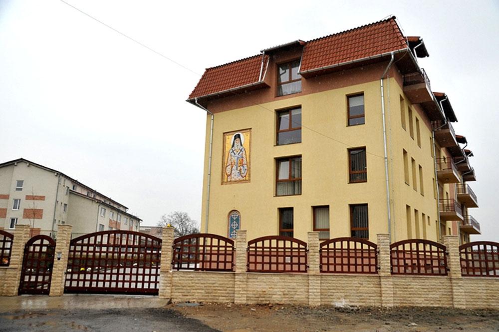 """Donație din partea Colegiului Medicilor Cluj pentru Centrul de Îngrijiri Paliative """"Sfântul Nectarie"""""""