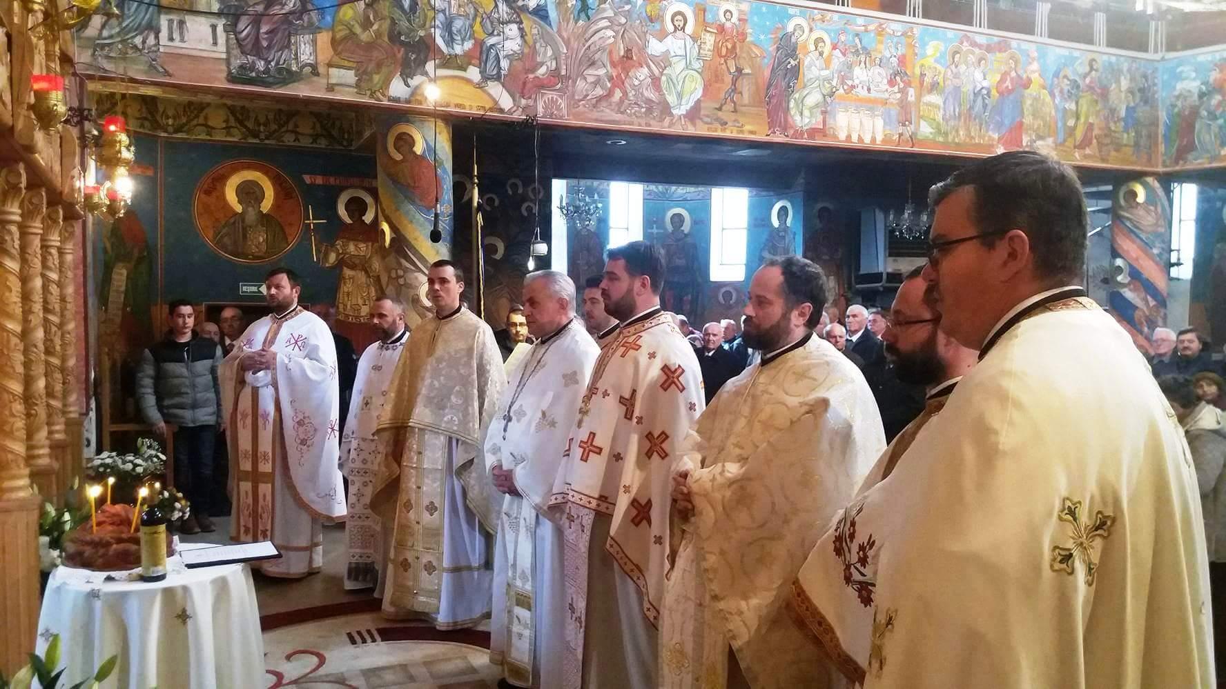 """Evenimente duhovnicești în parohia """"Sfinții Arhangheli Mihail și Gavriil"""" din cartierul Dâmbul Rotund"""