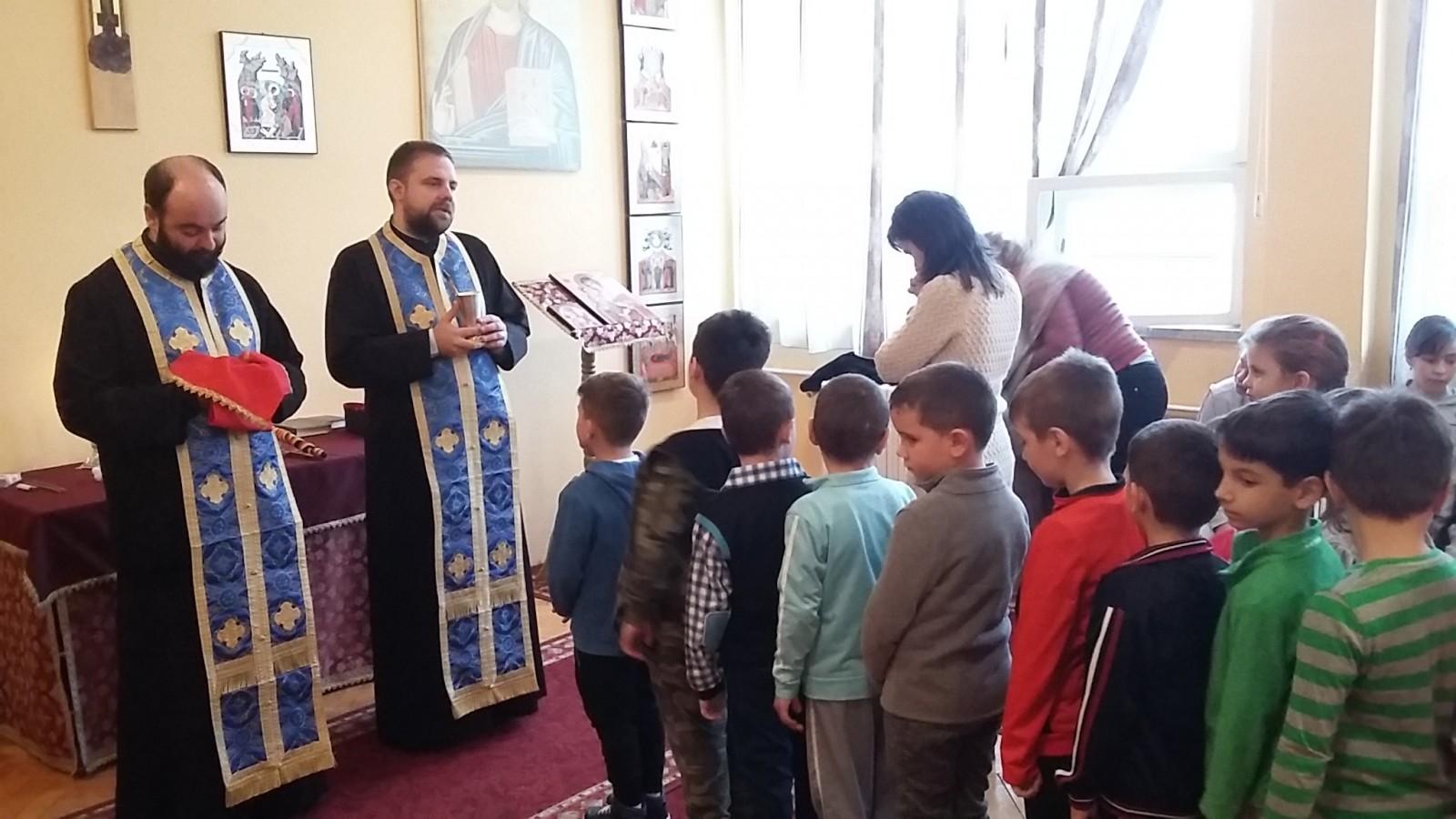 Sfântul Stelian, ocrotitorul copiilor, sărbătorit la Huedin