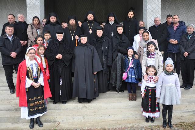 PS Petroniu, la sărbătoarea hramului paraclisului de iarnă al mănăstirii sălăjene Bobota