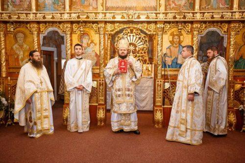 """Parohia """"Intrarea în biserică a Maicii Domnului"""" din Șimleu Silvaniei, în sărbătoare"""