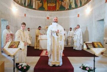 Arhim. Dumitru Cobzaru, la hramul Mănăstirii Mihai-Vodă de la Turda