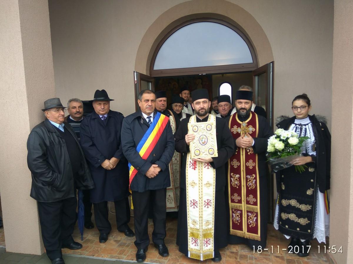 O nouă capelă mortuară, sfințită astăzi de Mitropolitul Clujului