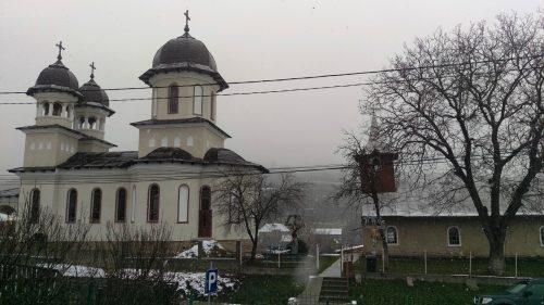 Prima Liturghie oficiată de Mitropolitul Clujului, în biserica nouă a filiei Boteni
