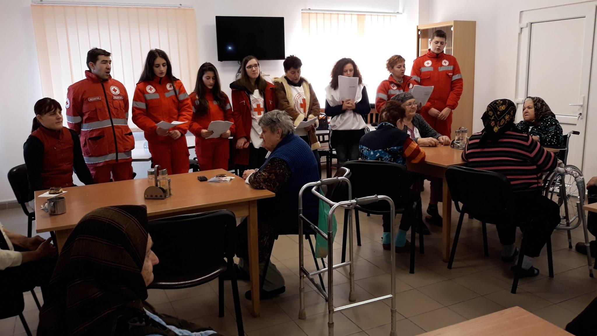 """Colindători la Centrul pentru persoane cu nevoi speciale """"Sf. Filaret cel Milostiv"""" Târlișua"""