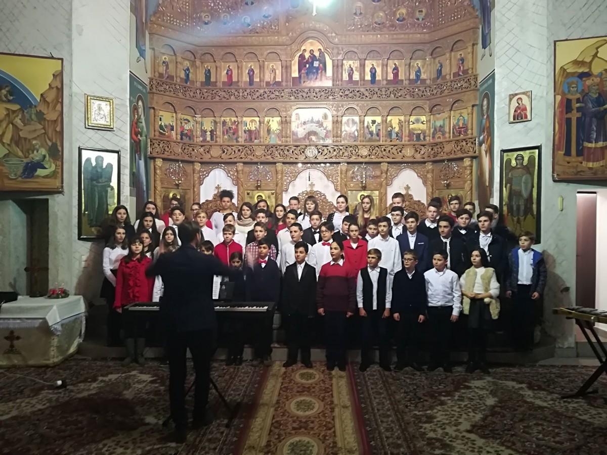 """Concert de colinde la parohia """"Sfântul Arhanghel Mihail"""" din Cluj-Napoca"""