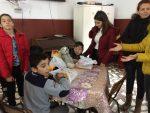 """Tinerii Parohiei Ortodoxe Căianu-Mic şi ai Liceului Tehnologic """"ICR"""" , alături de copiii de la Preventoriul din Ilişua"""