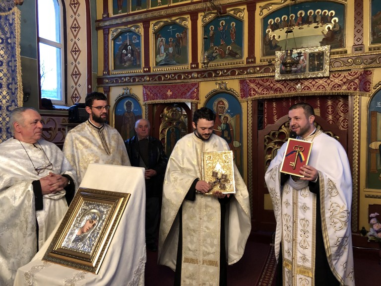 Credincioșii din Parohia Gârbou Dejului și-au primit noul păstor