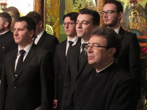 """Corul de Cameră """"Psalmodia Transylvanica"""" a concertat în parohia """"Adormirea Maicii Domnului"""""""