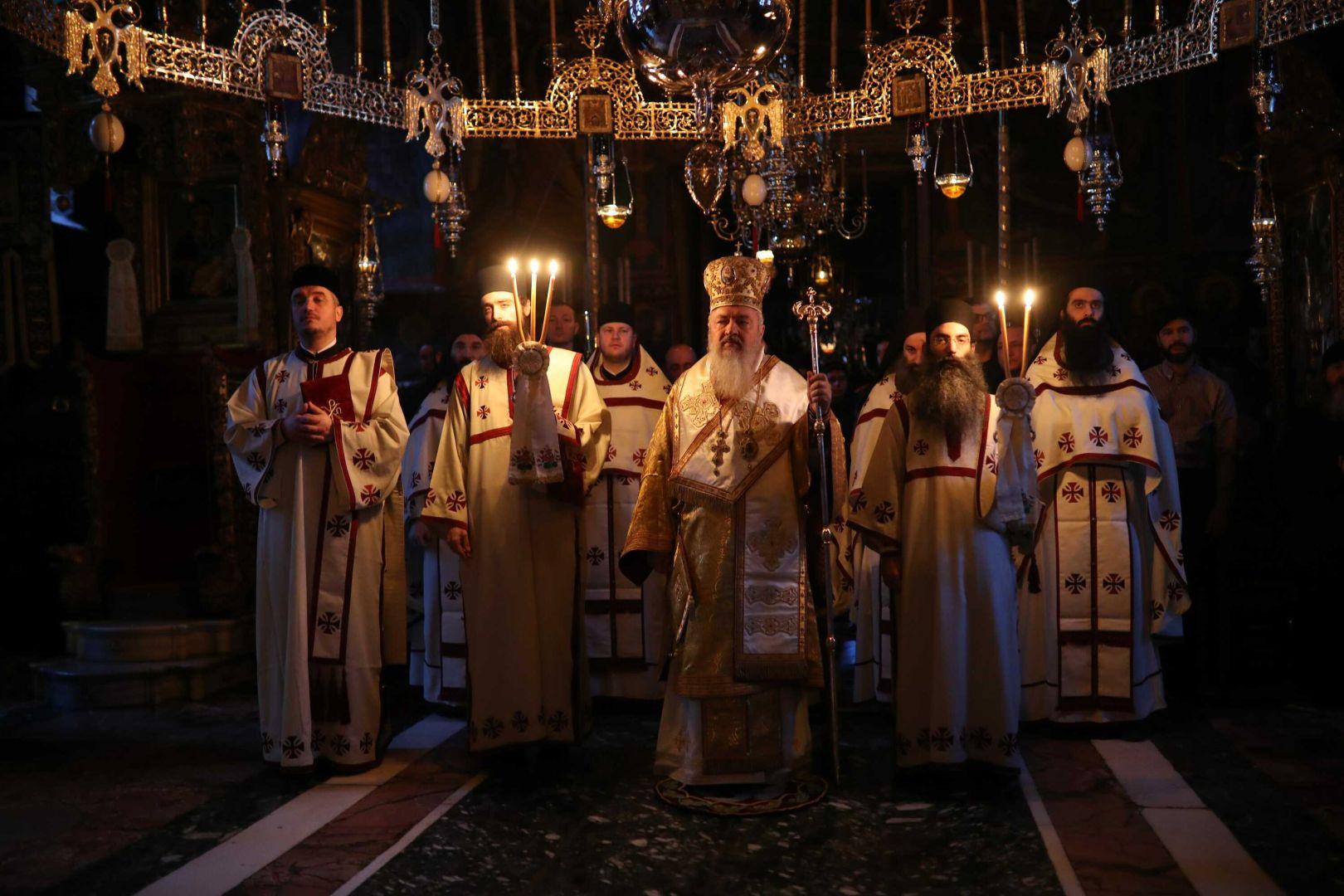 IPS Andrei a slujit la Mănăstirea Vatoped din Sfântul Munte
