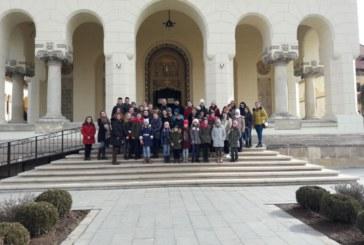 Excursie pentru tineri, în parohia Rebra