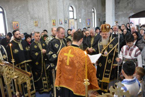 Credincioșii năsăudeni, binecuvântați de IPS Andrei