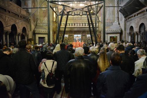 Joia Mare, la Catedrala Mitropolitană din Cluj-Napoca. IPS Andrei a spălat picioarele a 12 preoți și diaconi