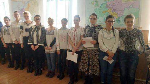 """Elevii clujeni se pregătesc pentru Concursul naţional """"Unirea: libertate şi unitate"""""""