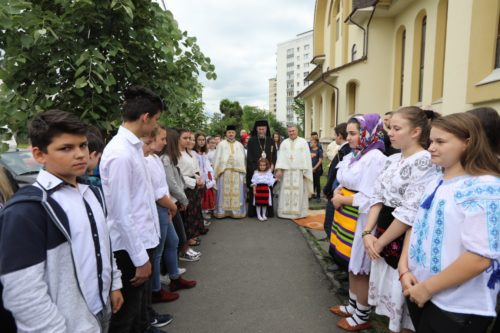 """Liturghie arhierească la biserica """"Înălţarea Domnului"""" din Baia Mare şi slujbă de pomenire a eroilor"""
