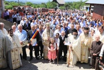 Preasfinţitul Părinte Iustin – Cetăţean de Onoare al comunei Şişeşti