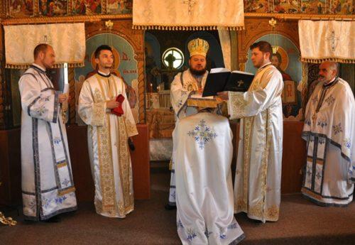 Liturghie arhierească în parohia sălăjeană Văleni
