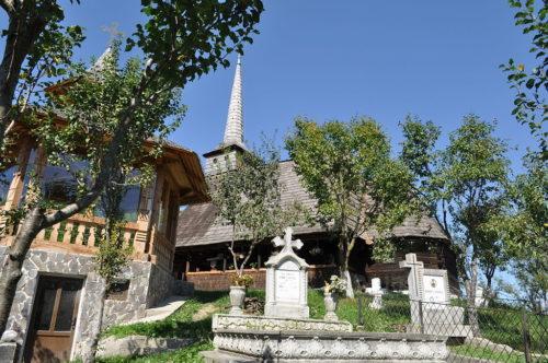 Biserica, monument istoric, din localitatea clujeană Tăuți, resfințită de Mitropolitul Clujului