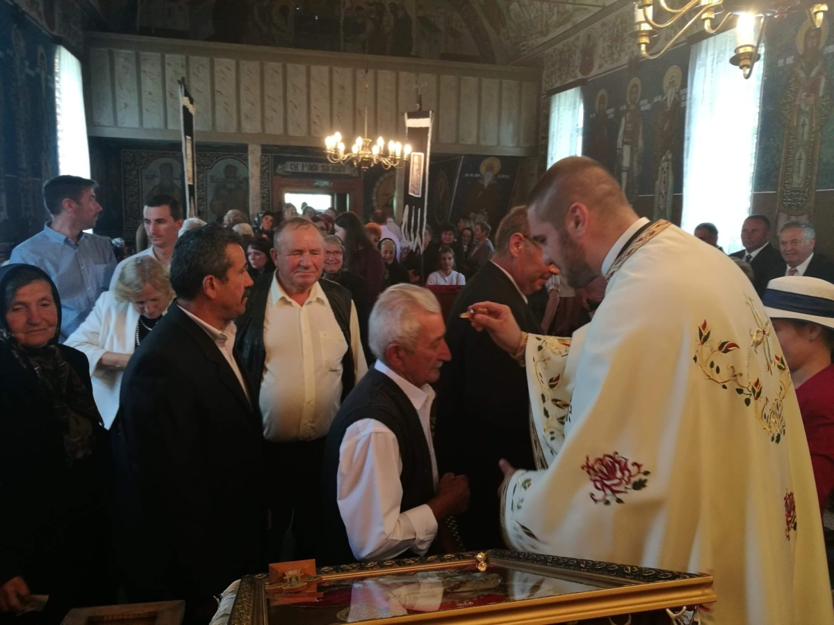 Instalarea noului preot paroh în parohia Ghirișul Român