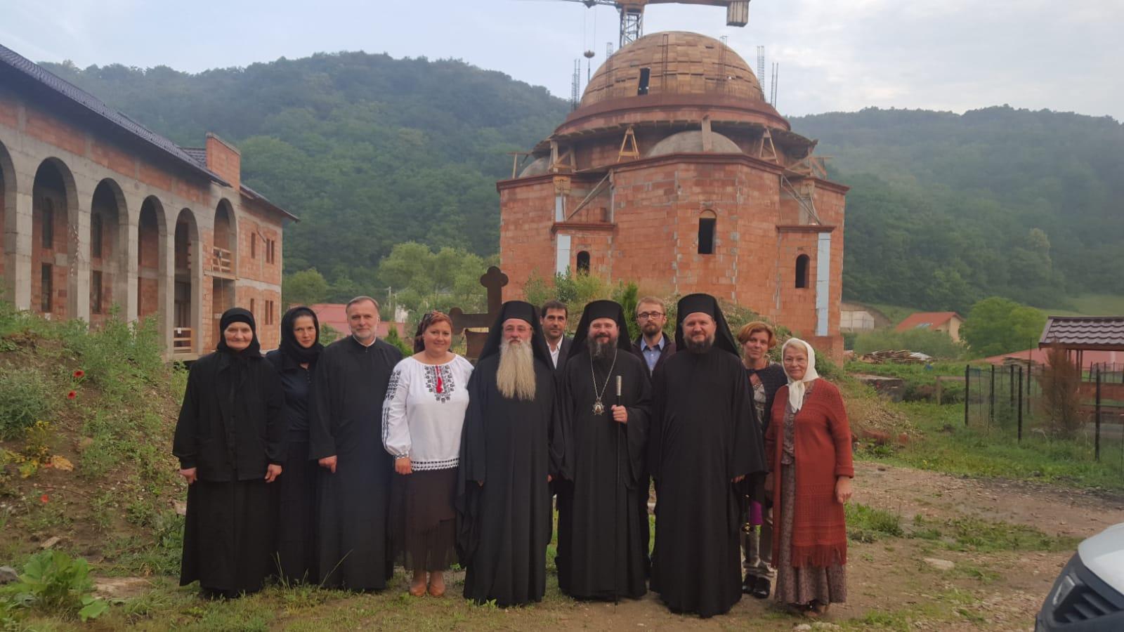 """Prezență Arhierească la hramul Așezământului pentru copii """"Sfântul Onufrie"""", Florești"""
