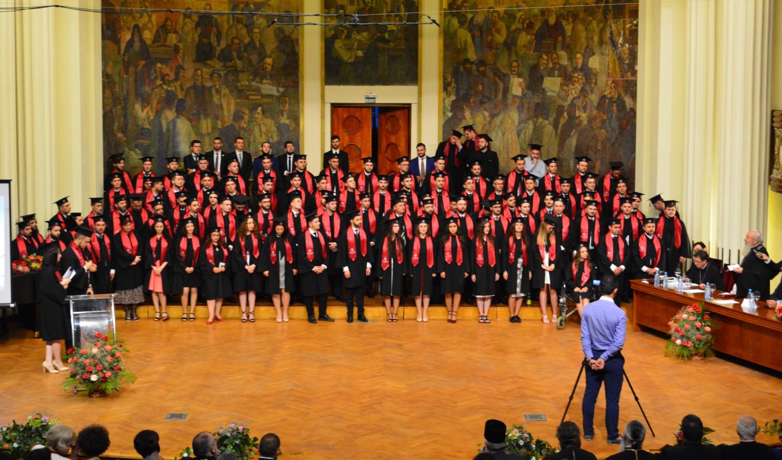 Festivitate de absolvire la Facultatea de Teologie clujeană