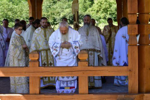 """Mitropolitul Clujului, prezent la hramul Mănăstirii,,Ștefan Vodă"""" din localitatea clujeană Vad"""