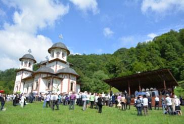 Hram la Mănăstirea de la Băișoara