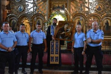 Siguranţa pelerinilor de la Mănăstirea Nicula, asigurată de jandarmi, polițiști și pompieri