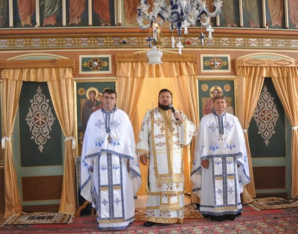 Liturghie Arhierească în Parohia Almașu, Episcopia Sălajului