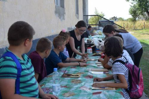 """""""Zi de poveste"""" pentru copiii din cadrul Cercului Preoţesc Beclean"""