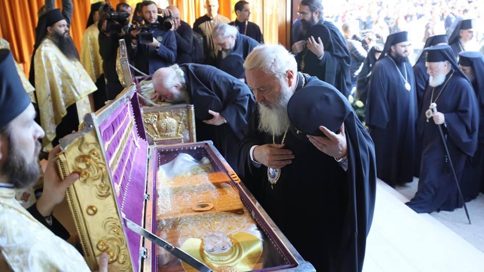 Sfântul Sinod al Bisericii Ortodoxe Române, reunit în ședință de lucru