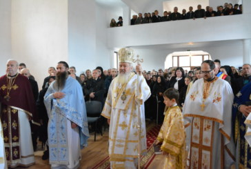 Noua biserică din Parohia bistrițeană Delureni, binecuvântată de Mitropolitul Clujului