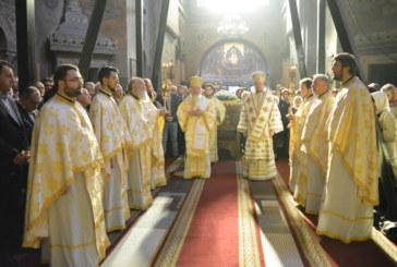 Sfânta Liturghie la Catedrala Mitropolitană din Cluj. Doi ierarhi s-au rugat pentru sufletul Arhiepiscopului Teofil Herineanu