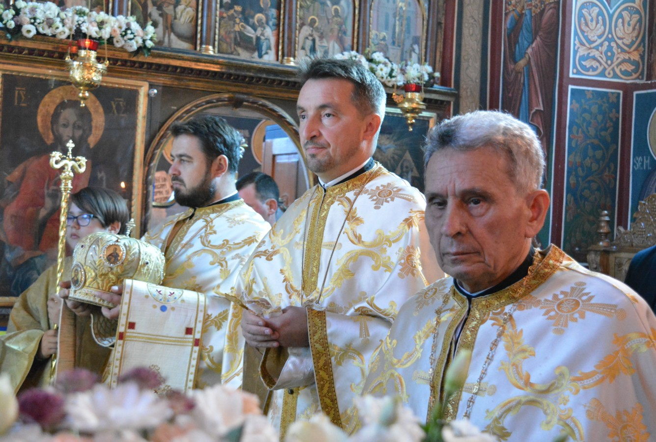 """Manifestări dedicate Centenarului, la biserica """"Sfânta Treime"""" din Cluj-Napoca, în prezența IPS Andrei"""