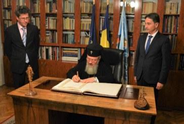 Mitropolitul Clujului a semnat în Cartea de Aur a Centenarului Marii Uniri