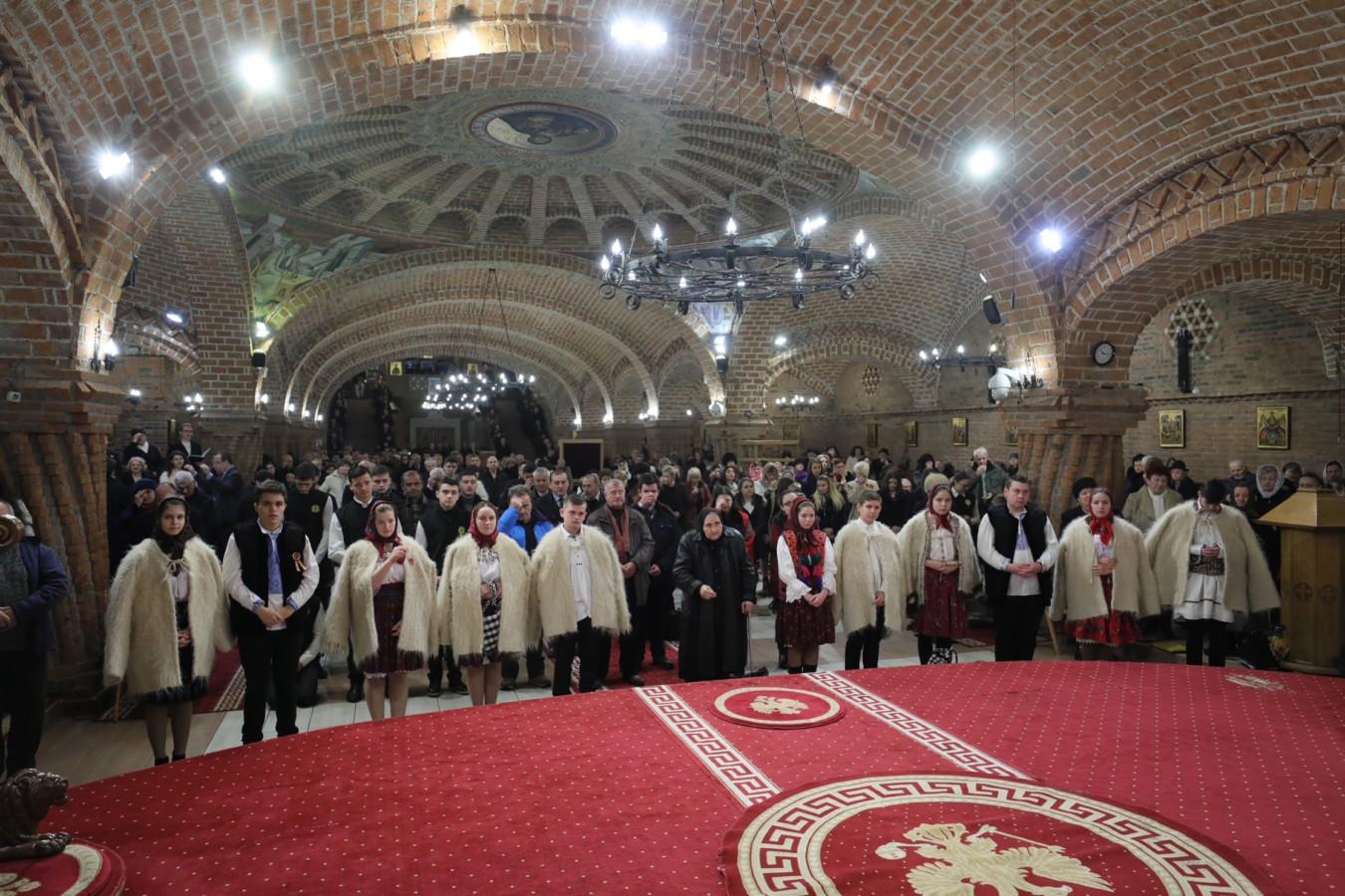 """Sfânta Liturghie la Catedrala Episcopală """" Sfânta Treime"""" din Baia Mare"""