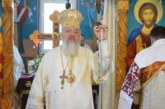Mitropolitul Clujului, în mijlocul credincioșilor din Arșița, județul Bistrița-Năsăud