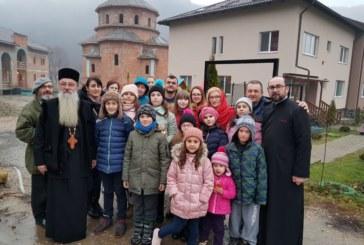 """Proiectul """"Sărbătoarea Crăciunului – bucurie și dăruire"""", la Parohia Sfântul Arhanghel Mihail din Cluj-Napoca"""