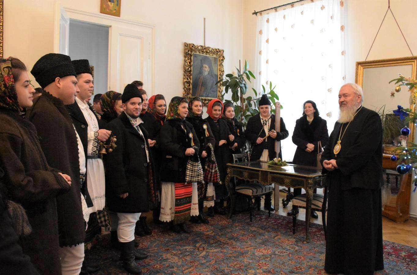 Cete de colindători la Reședința Mitropolitană din Cluj-Napoca