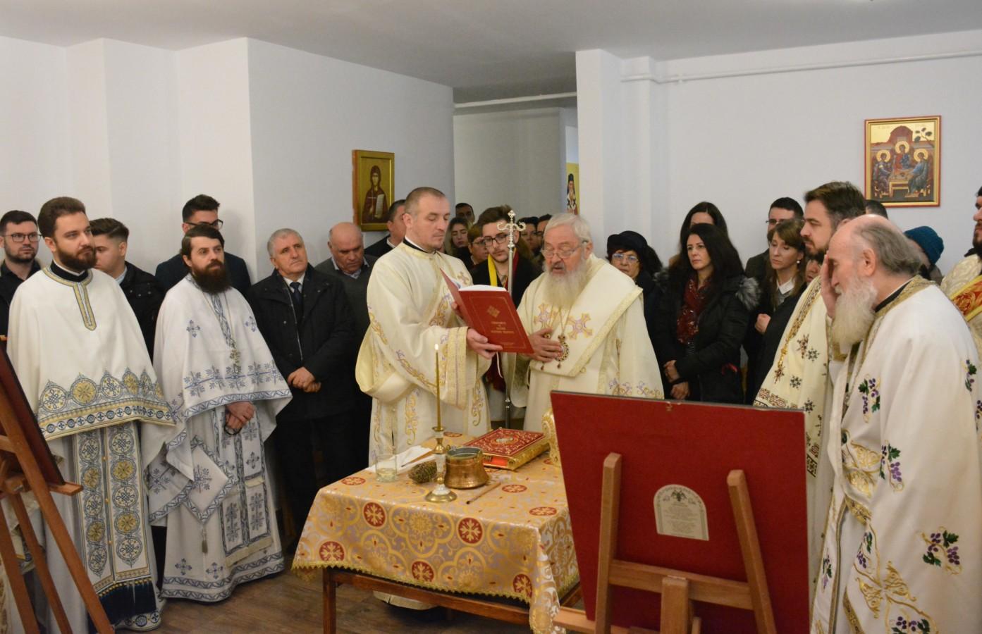 """Parohia """"Sfântul Ierarh Silvestru"""" din noul cartier clujean Sopor și-a sărbătorit primul hram, în prezența Părintelui Mitropolit Andrei"""