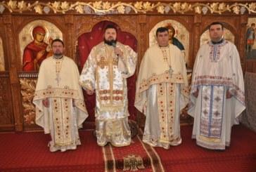 Liturghie Arhierească în Parohia Dobrin