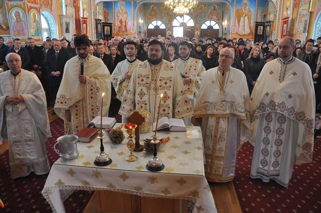 """Praznicul Botezului Domnului,la biserica """"Pogorârea Sfântului Duh"""" din Zalău"""