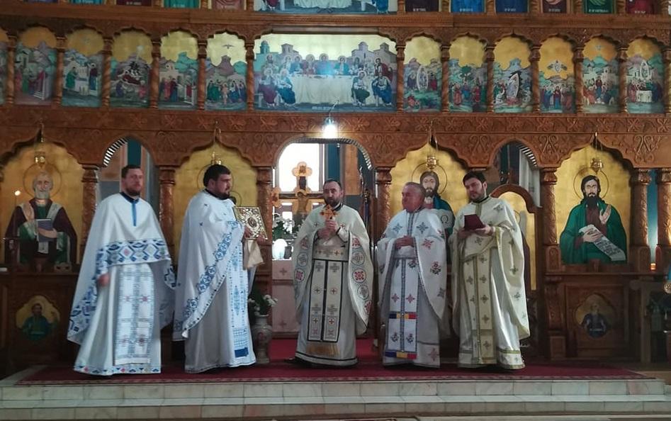 """Instalare de preot în nou înființata parohie """"Brâul Maicii Domnului"""", Sub Coastă, comuna Apahida"""